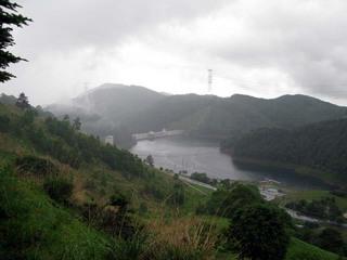 雨の琴平ダム.jpg